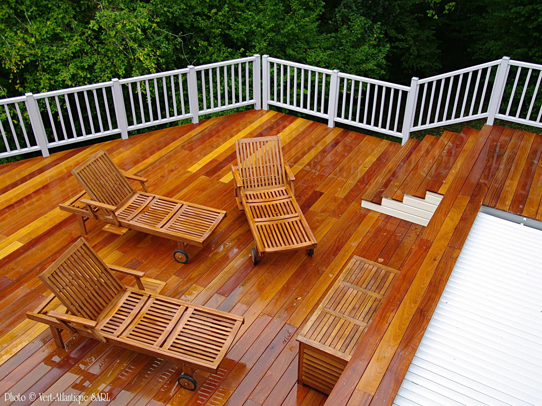 terrasse en bois exotique, Cumaru, piscine en bois semi enterrée, mobilier de jardin en teck
