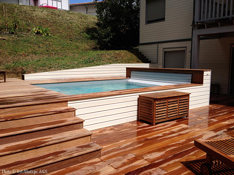 Piscine en bois semi-enterrée et terrasse en bois exotique, Cumaru